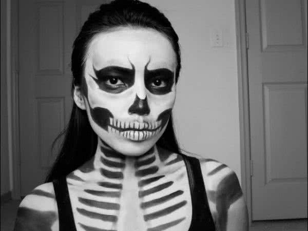 Грим бледный скелет